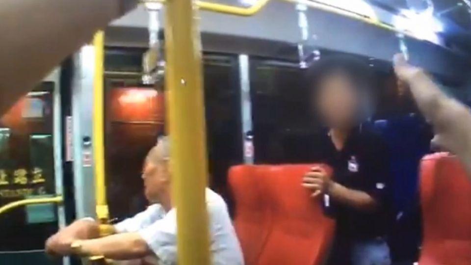 醉男大鬧司機 警方上公車制止遭辱罵