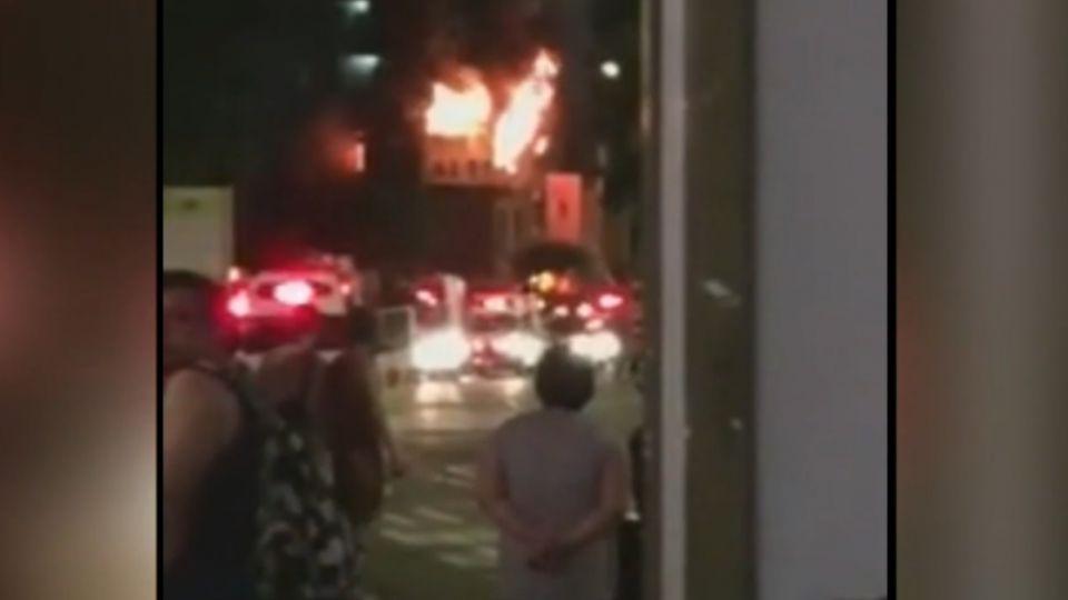 中秋烤到燒起來 燒烤店竄火 民眾摸黑驚逃