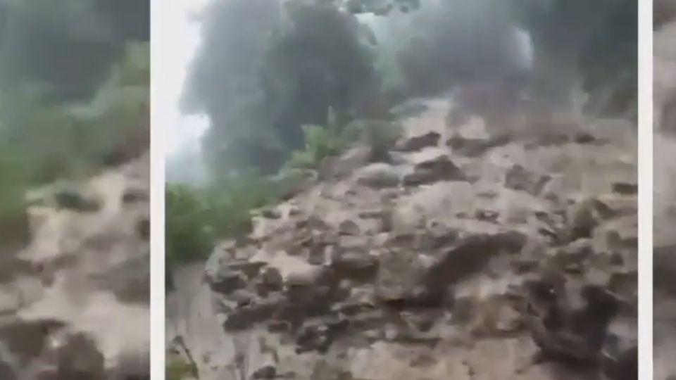 嘉義雨量全台之冠 土石淹沒森鐵軌道
