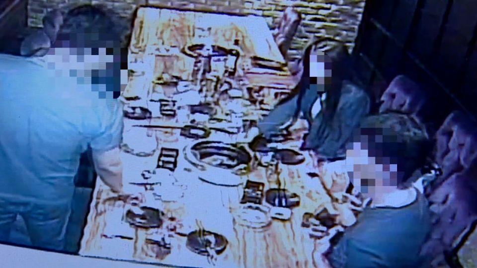 前店員惡搞燒肉店烤爐 丟衛生紙、菸蒂悶燒