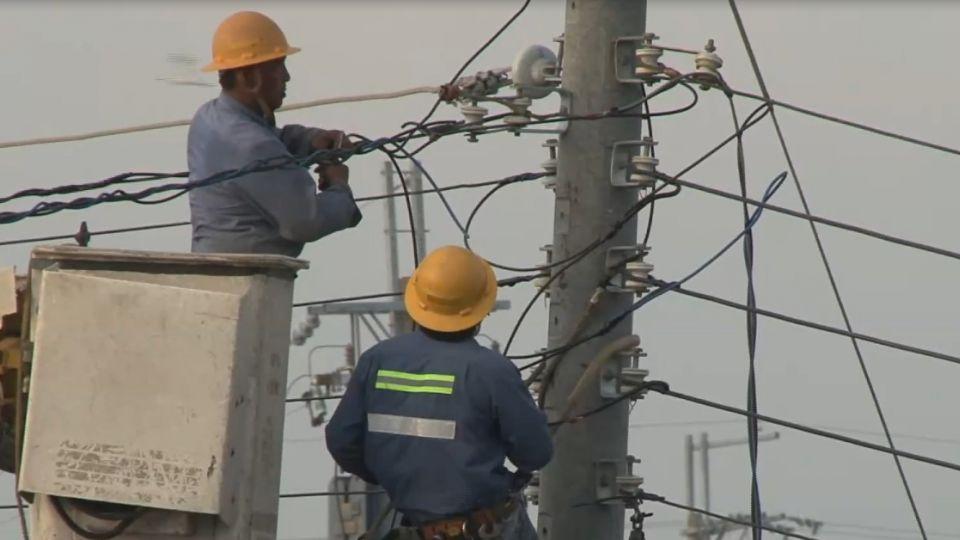 南台灣108萬戶停電 台電維修員日睡4小時