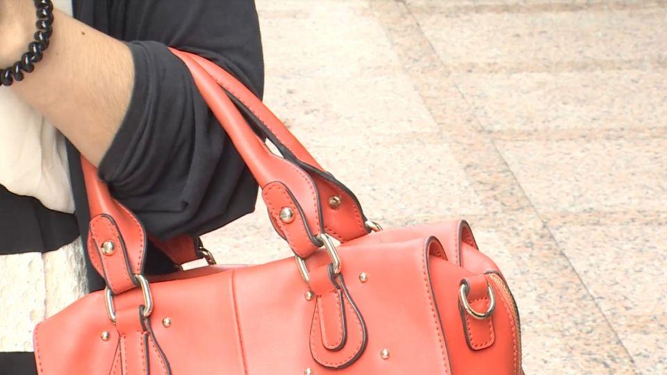 情侶街上「拉扯、搶包包」 恐觸法難撤告