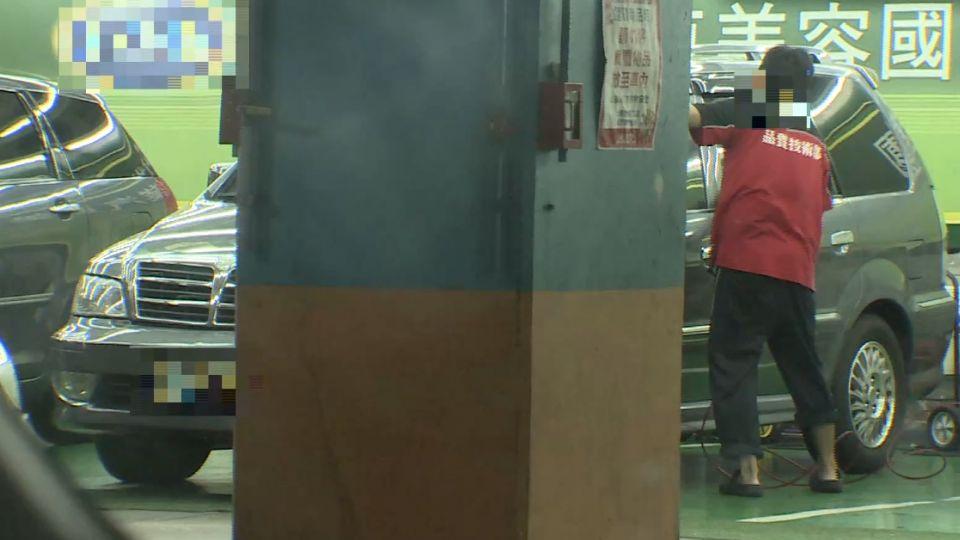 鎖定賣場客源 地下停車場「洗車營業」恐違法