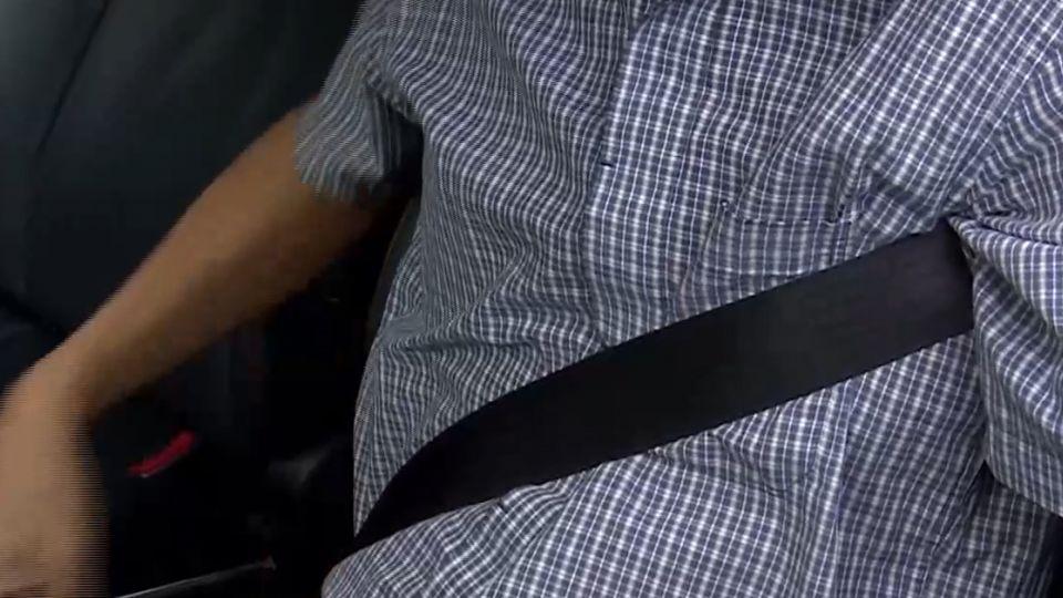 繫安全帶「肩下穿過」挨罰 提訴訟「沒依規定」駁回