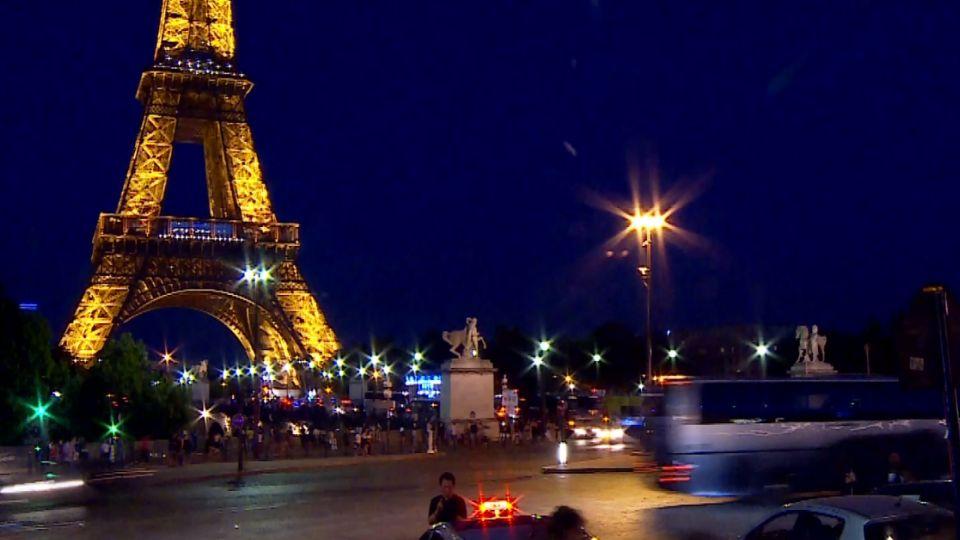 台客在巴黎搭地鐵遭攻擊!「摔月台一度命危」