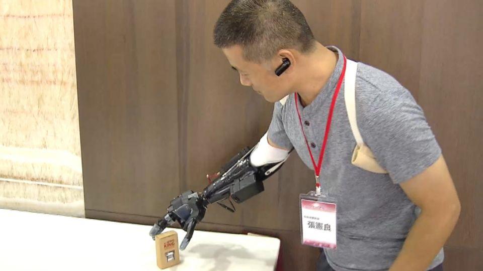 台版鋼鐵人!斷臂工程師 利用3D列印造義肢