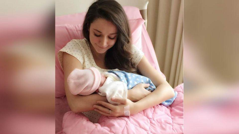 恭喜!名模瑞莎自然產出小美女 和馬麻「相似度90%」