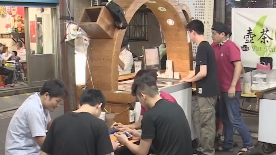 夜市攤商集結成軍 年輕頭家手遊紓壓