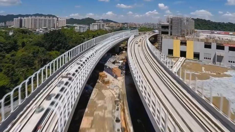 國造輕軌列車搶先曝光 投入運行年省千萬