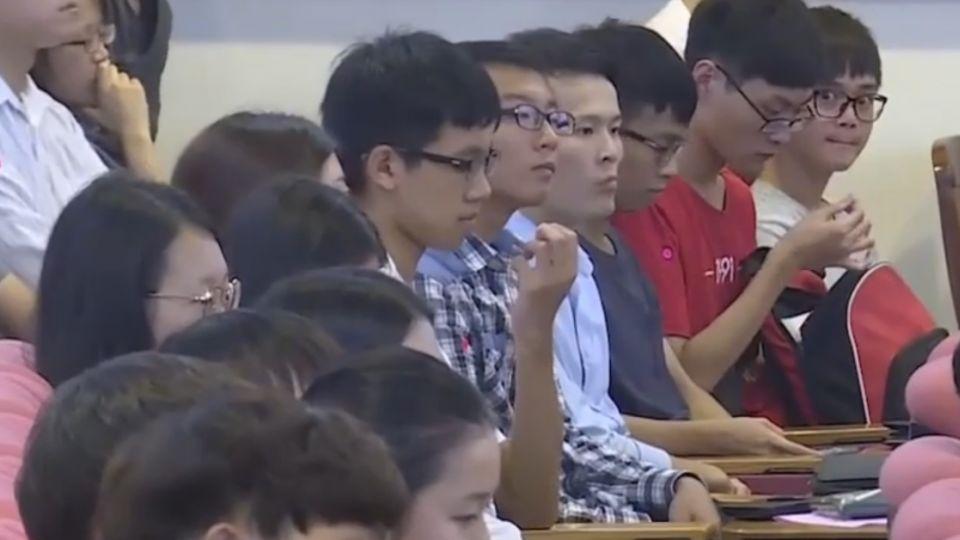 馬返東吳任教 重啟86000032教師編號