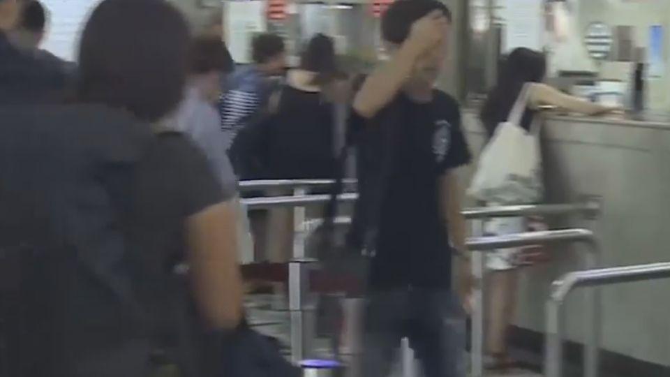 梅姬直撲花東 遊客搶搭火車回家