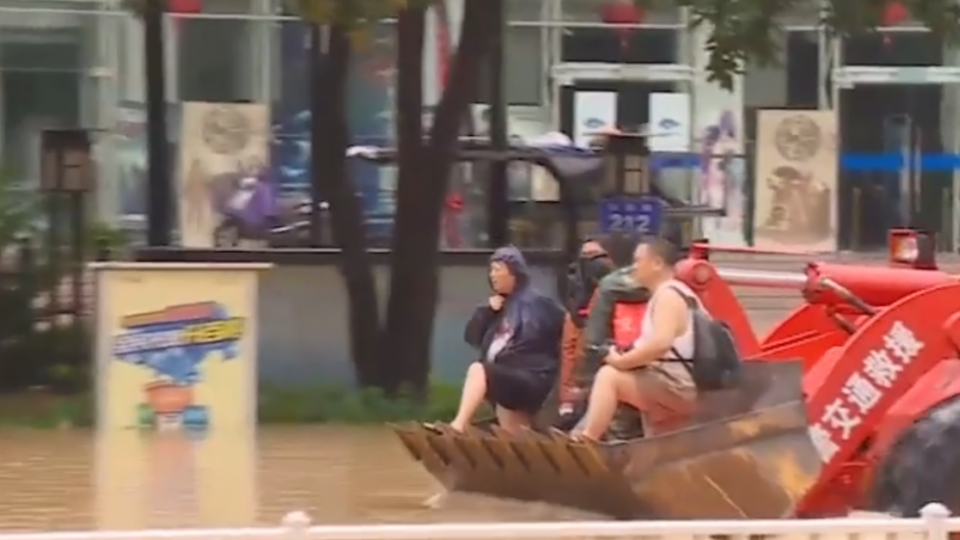 梅姬登福建! 風雨颳一夜 福州淹水變「湖洲」