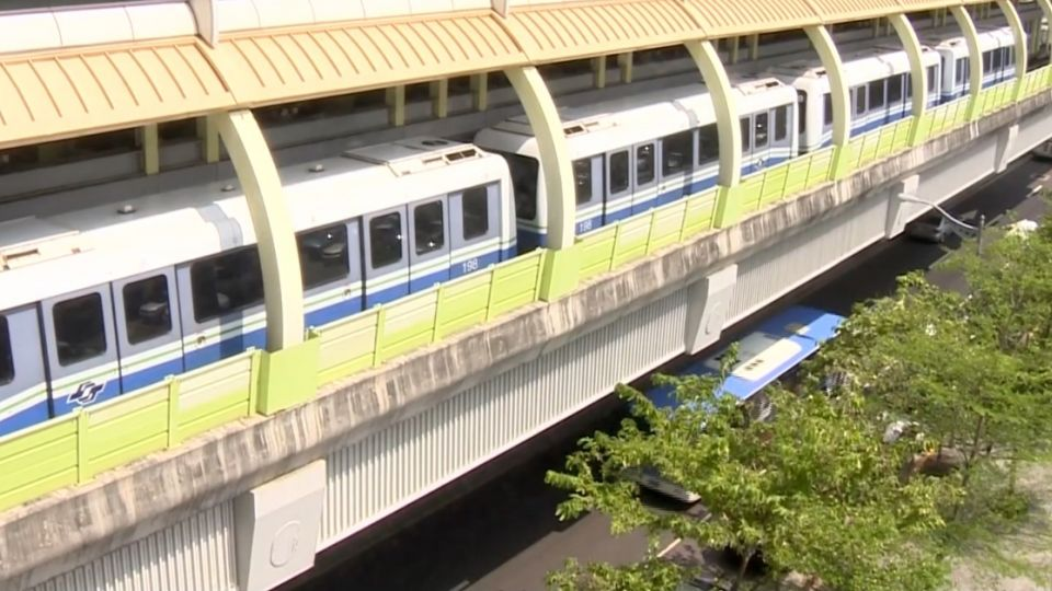 文湖線列車爆胎傳巨響 又發現異常停駛中