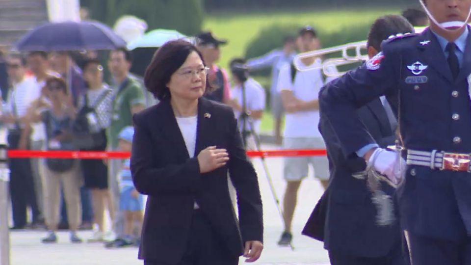 宏都拉斯總統來台國是訪問 蔡總統上任後首軍禮