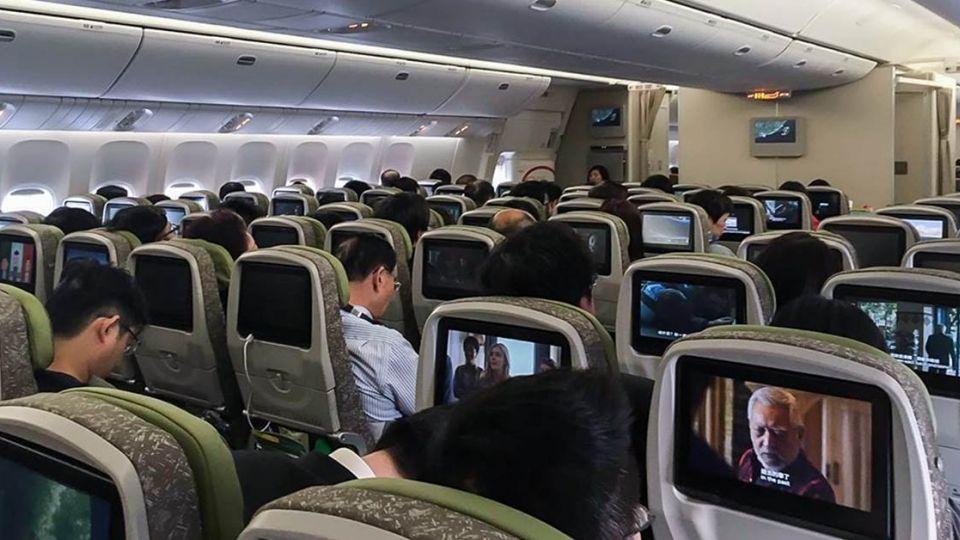 【端傳媒】颱風夜,我在長榮班機上