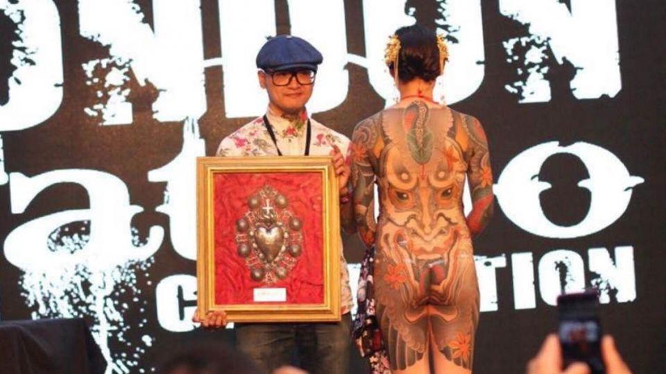 誰說不讀書「沒出息」!國中學歷的他 抱回倫敦刺青大獎