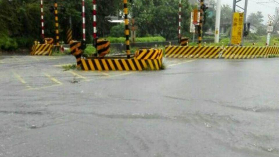【更新】豪雨強襲 花蓮縣「下午停班課」