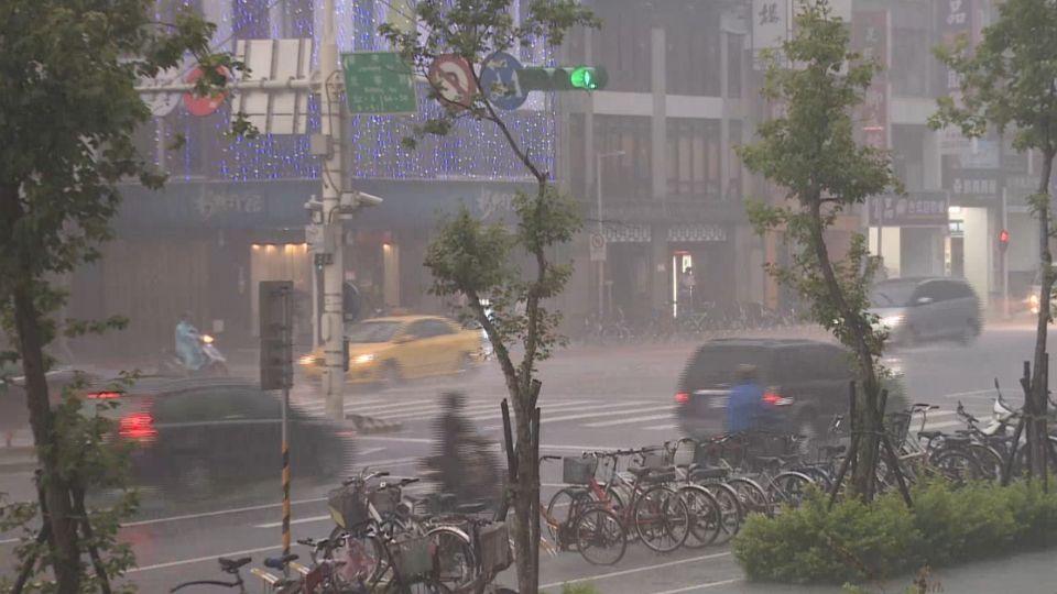 艾利外圍環流廣 花、東雨量驚人淹水成災