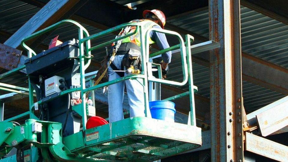 勞保天花板調升至5.81萬元 200萬勞工受惠