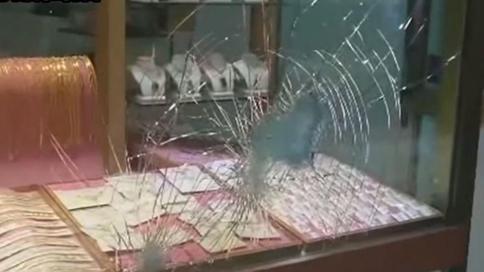 銀樓防搶增加軟硬體 強化「防彈玻璃」防鐵鎚