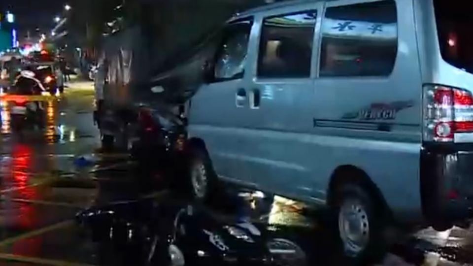 中和鬧區爆衝車禍 婦人遭拖行傷重不治
