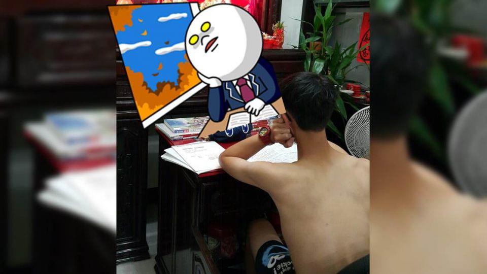 找不到合適的地方讀書 他竟向觀音菩薩「擲筊」借桌子!