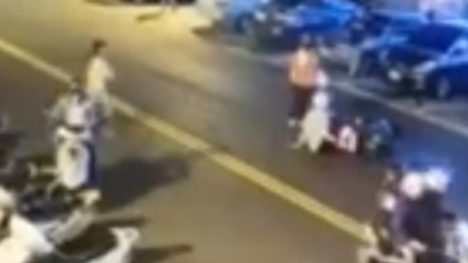女童違規闖馬路遭撞 家長反罵騎士:騎太快