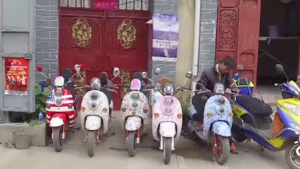 雲南大理快速商業化 民宿 攤販包圍秀麗洱海
