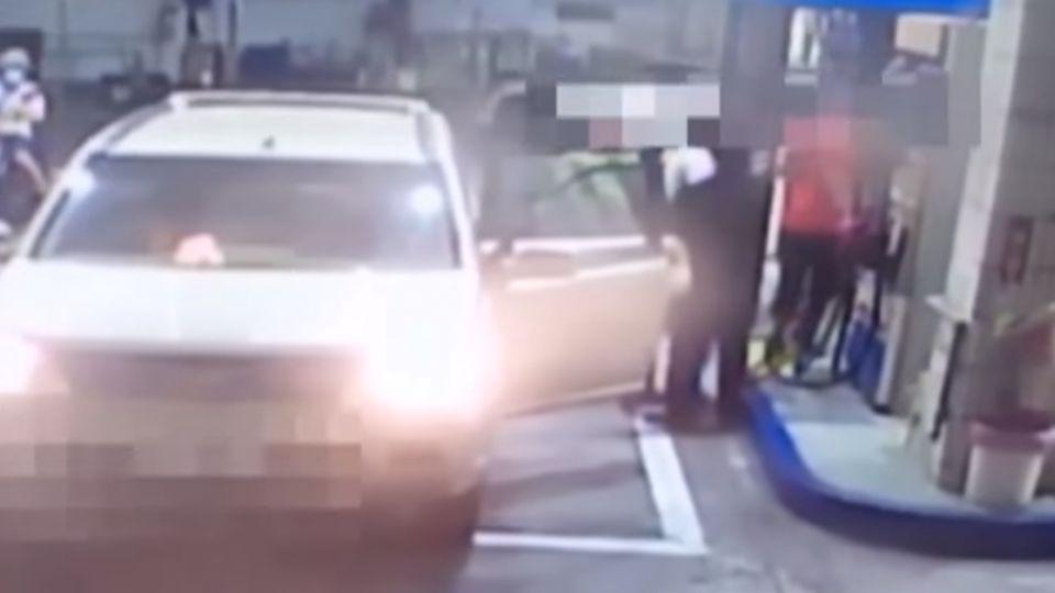 加油員提醒「要熄火」 醉漢痛毆頭部受傷
