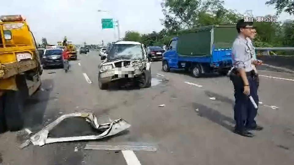驚險!台68線3車追撞 4顆安全氣囊彈開救命
