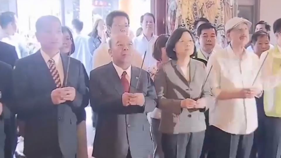 台灣世代智庫民調:蔡不滿意度45.2% 林全50.9%