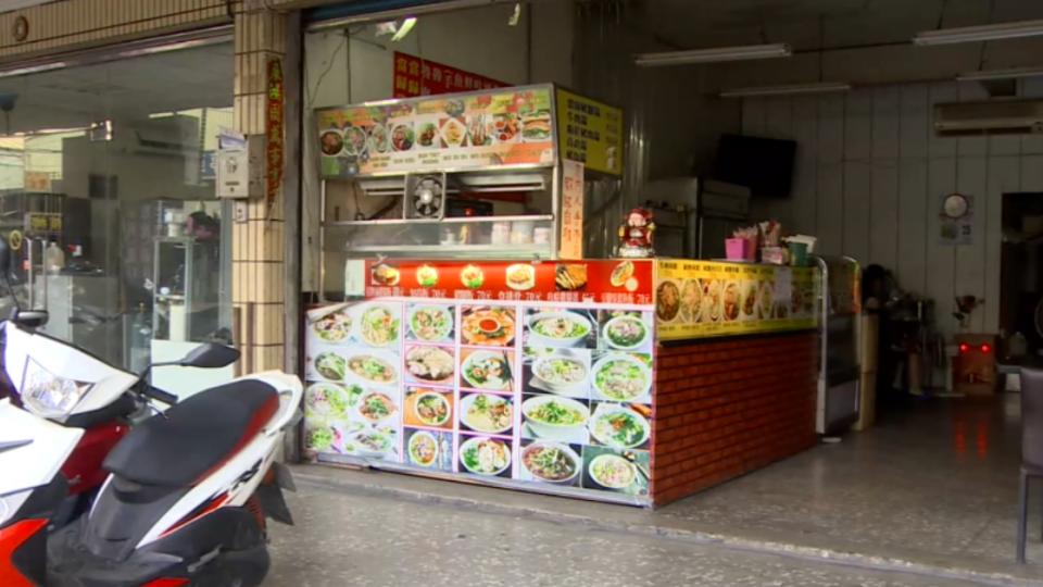 想賒帳吃飯遭拒  22歲男持拐杖搶小吃店