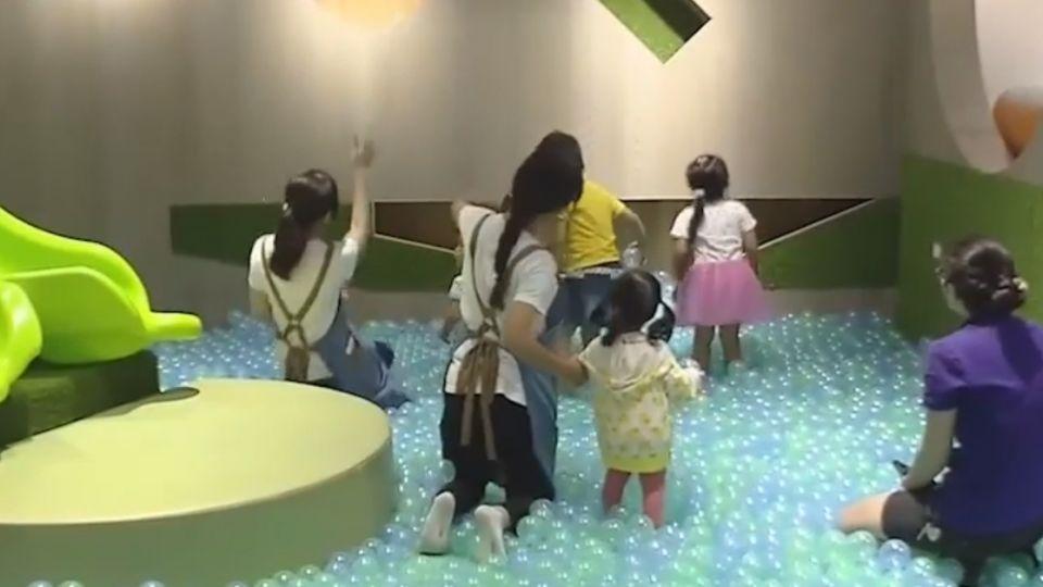 餐廳設遊樂區 店員充當保母防止孩童意外