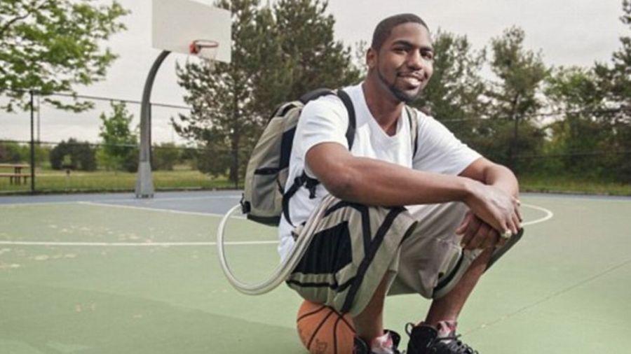 【影片】奇蹟!他「背著心臟」打球17個月 醫生都驚呆
