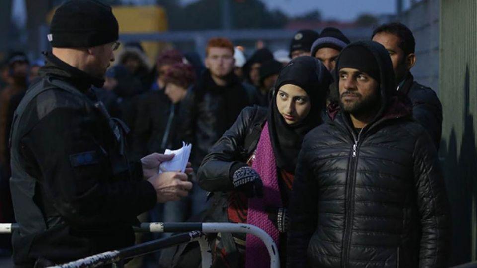 【端傳媒】連續暴力事件後,德國科學家提出「掃描大腦計劃」關注難民心理健康