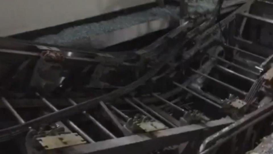 「像地震一樣」疑纜繩斷裂 電扶梯從5樓垮落