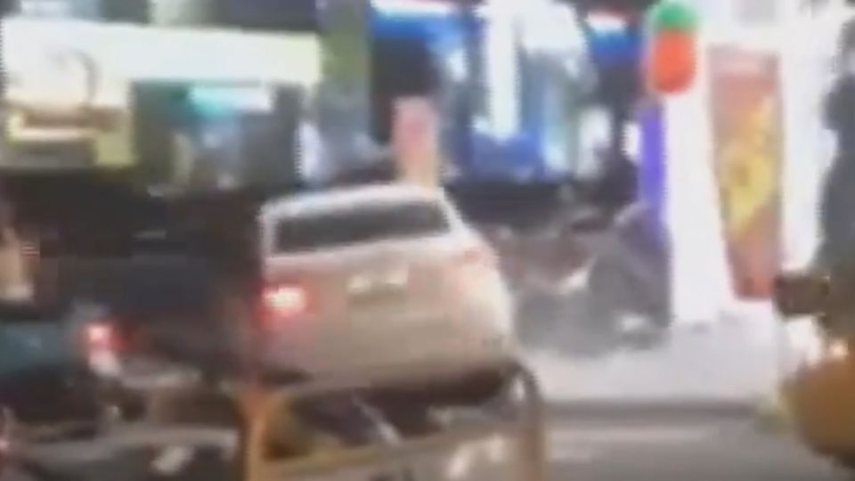 行車糾紛爆衝突 雙方人馬馬路開打