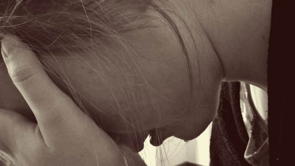 堂姐妹聊「處女」話題 意外揭發同遭「狼親戚」性侵