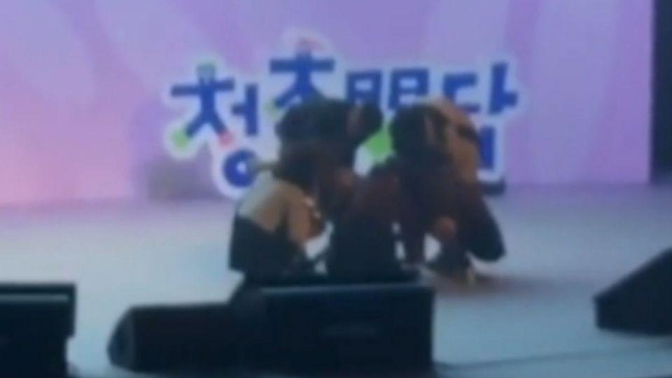 韓女團GFRIEND演出 成員信飛竟癱暈台上