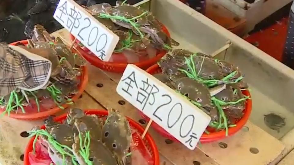 宗教團體買蟹放生 魚販賣「放生價」做功德