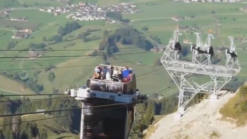 酷!瑞士「敞篷」纜車 雙纜線設計穩定度高