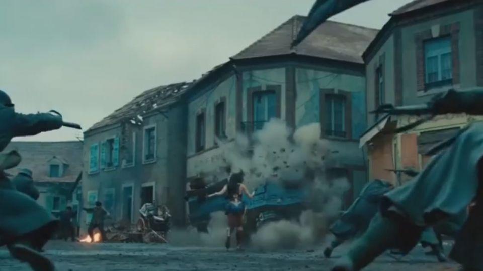 DC、漫威「神奇情侶」 神力女超人對上死侍