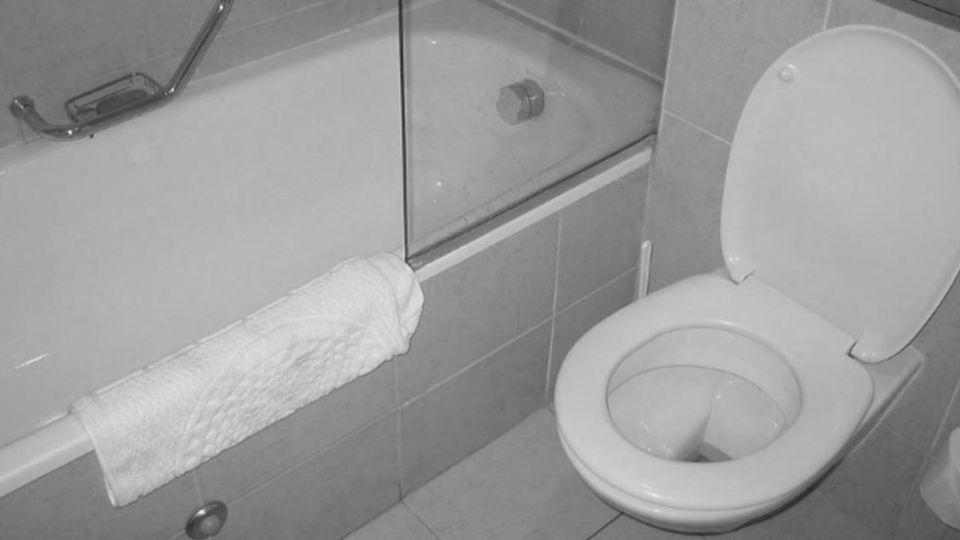 廁用手機也不行!?恐怖情人竟要求檢查排泄物