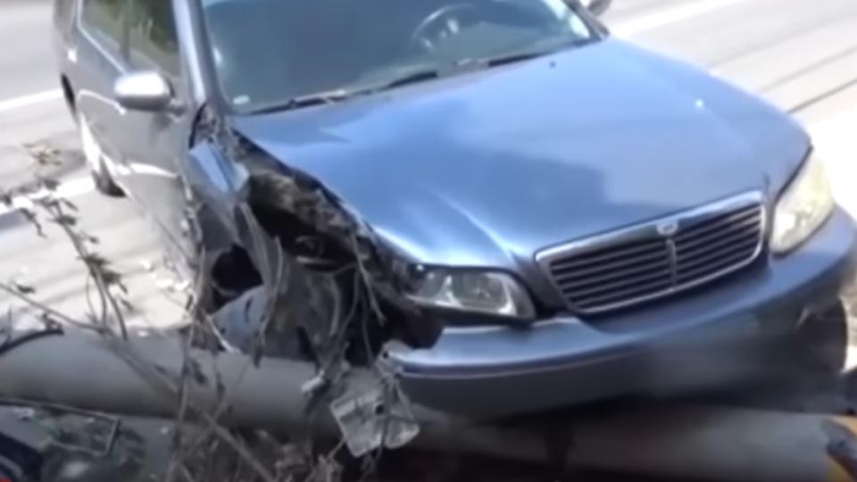 精神不濟「撞」況多 女撞拖吊車 駕駛暈眩撞電桿