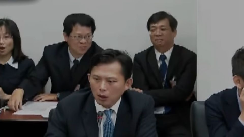 協商被說媽寶 黃國昌:非大人討論事情方式