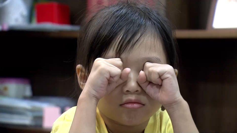 空汙太嚴重!三年級學童揉傷眼角膜 視力剩0.3