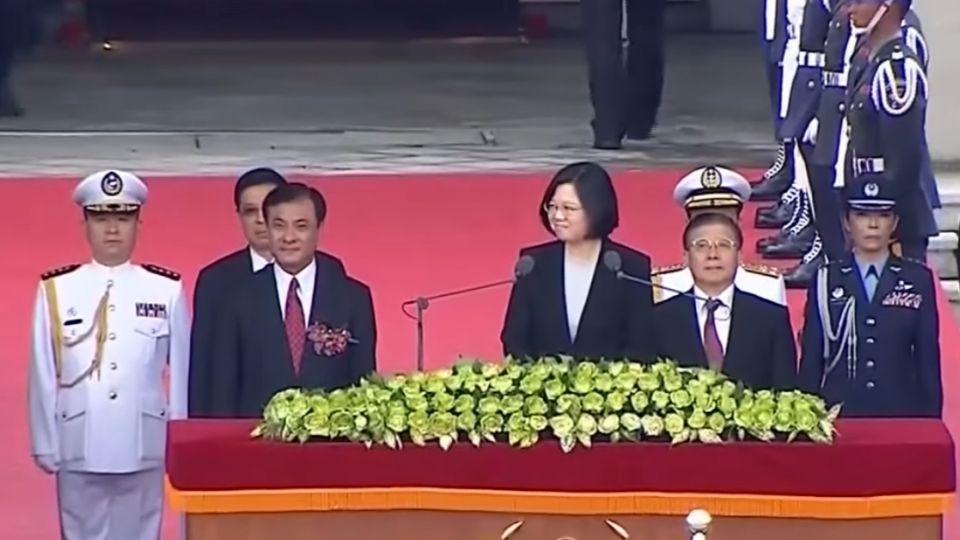 傳不滿內閣「老藍男」 獨派建議蔡辭黨魁