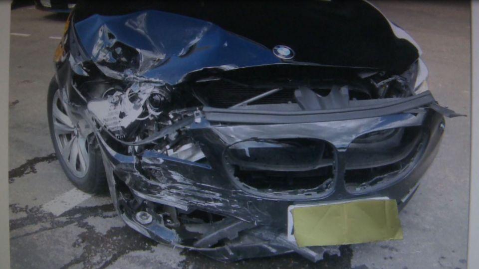 BMW再撞豐田!誤信導航違規左轉 大7車頭慘毀霸氣全失