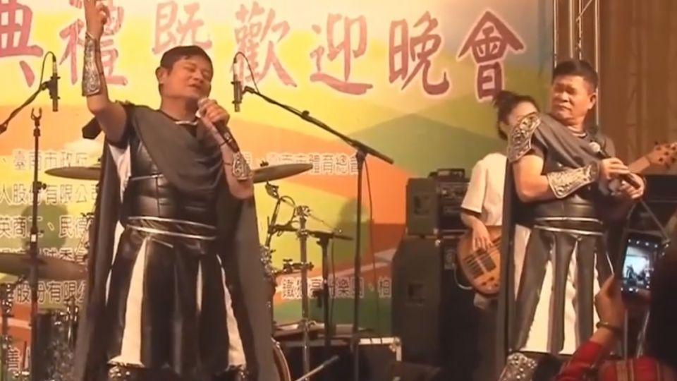 長青軟式棒球錦標賽 澎恰恰率「鐵獅團」表演