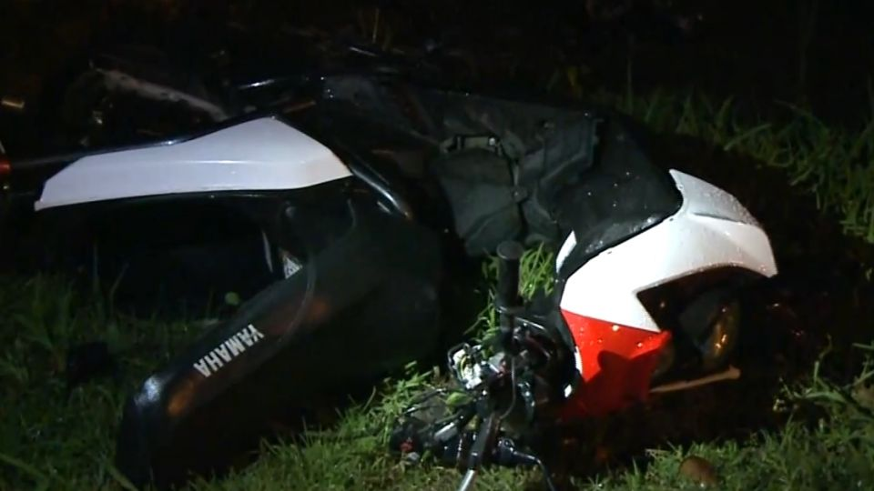 2少年無照雙載 路口對撞汽車身亡